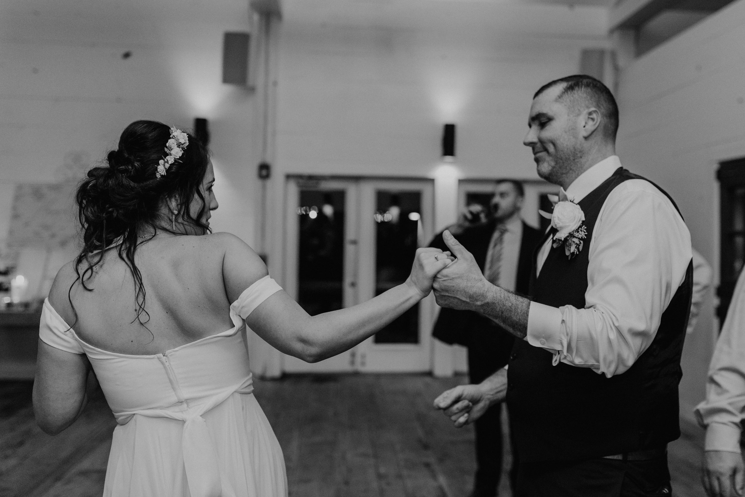 audreys_farmhouse_wedding_096.jpg