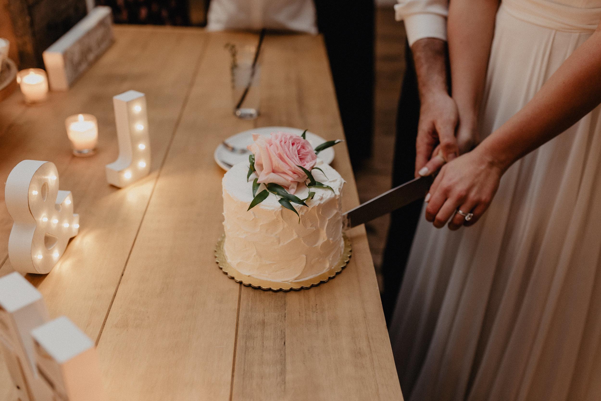 audreys_farmhouse_wedding_098.jpg
