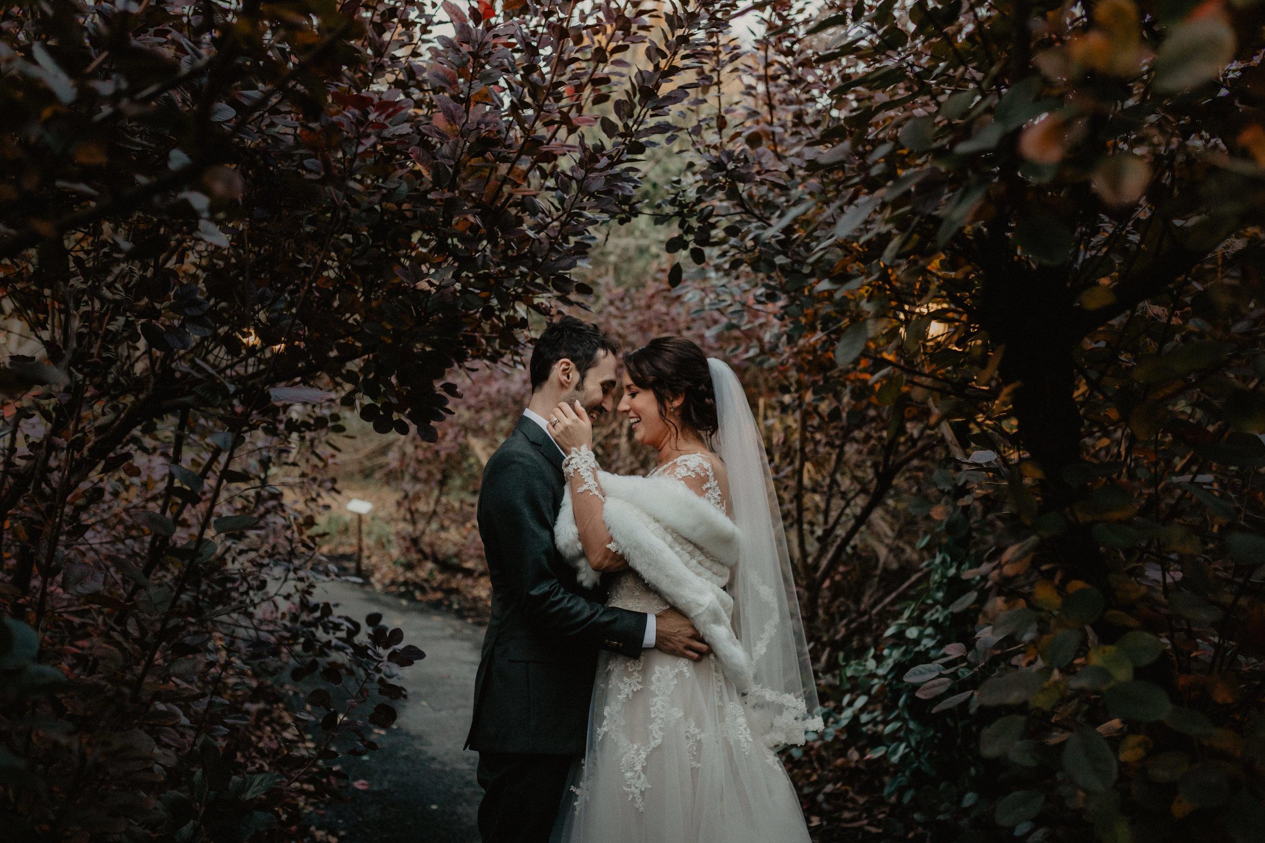 feast_at_round_hill_wedding_062.jpg