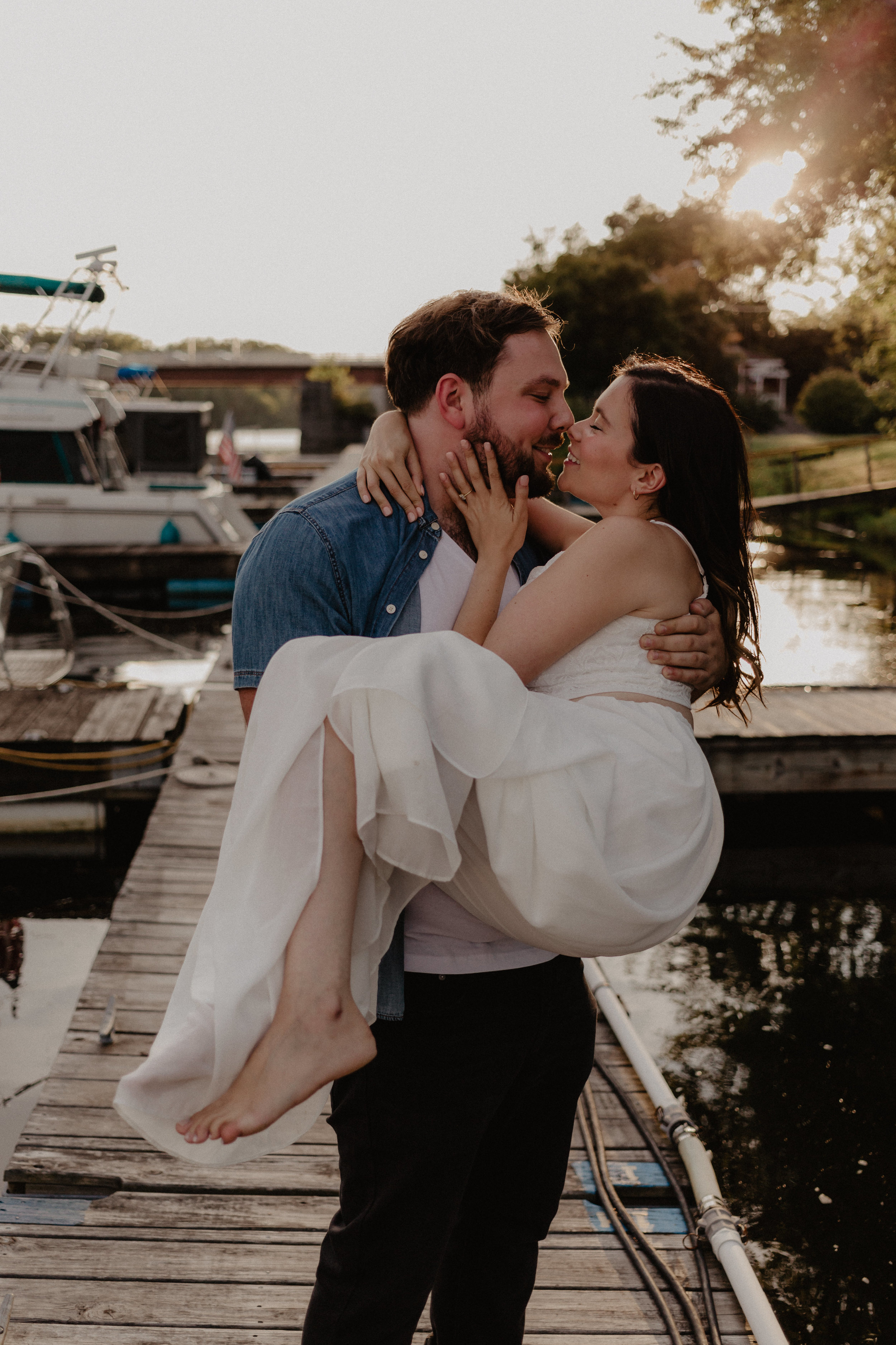 schenectady-yacht-club-engagement-11.jpg