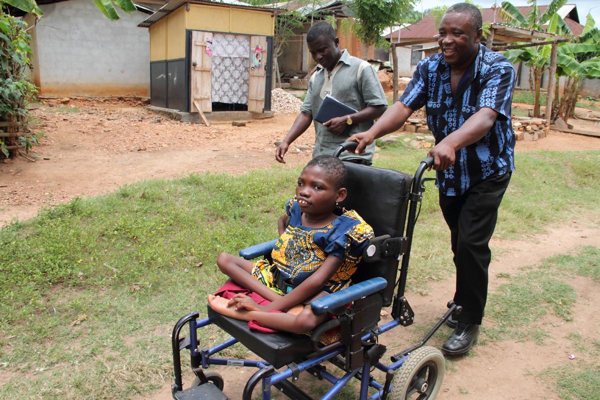 Mawunyo's arrival at school.
