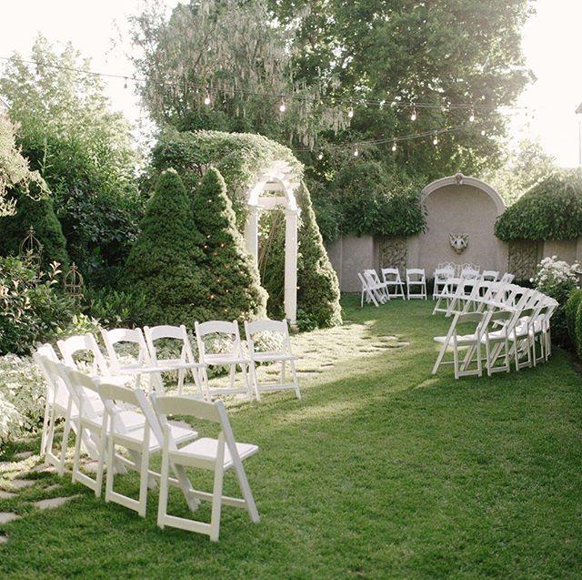 Wedding planner + Venue: @provo_whitewillow  #utahbride #utahbrideandgroom #utahevents #utahweddinggram  #utahwedding #utahweddings #utahweddingvenue #utaheventplanner #utweddingplanner #utahvalleywedding #instawedding #wedding #provobride #provoweddings #weddingreception ・・・ #Repost @katiegreenphoto ・・・ When the venue is on point 😍