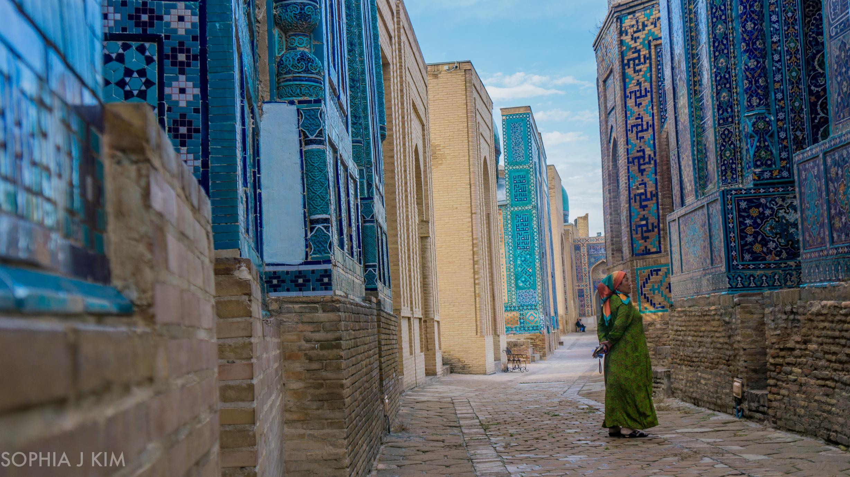 Uzkbek Woman at Shah-i-Zhinda, Uzbekistan