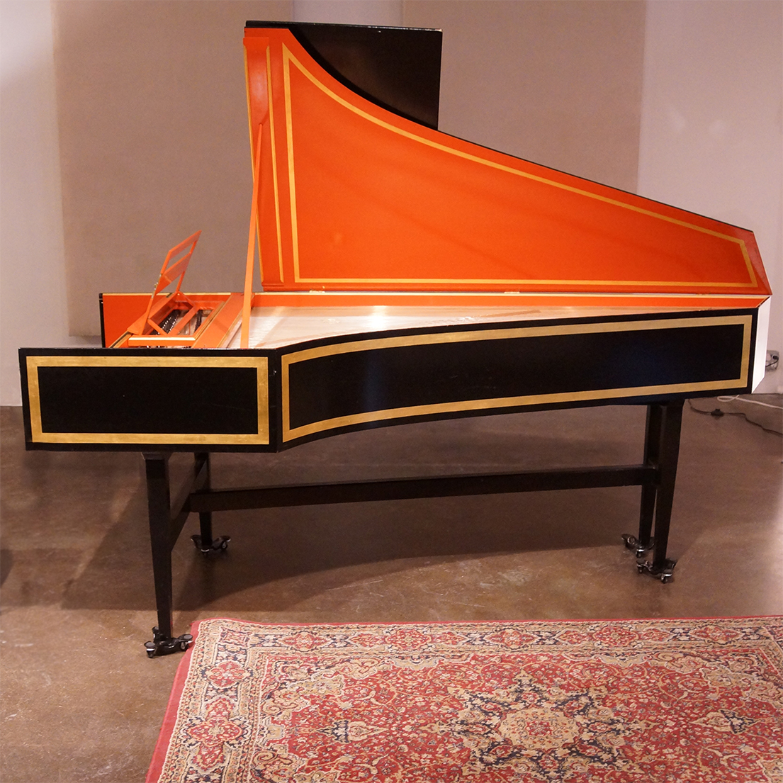 DOWD French double-manual harpsichord • 2x8' 1x4' FF-f''' front 8' buff • Made in Boston, 1977
