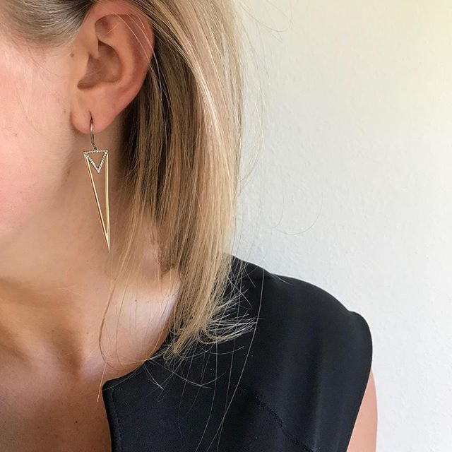 @angelicaestergrip wearing the RS rose good deep triangle earrings. #earrings #rosegold #jewelry #fashion #beauty #love