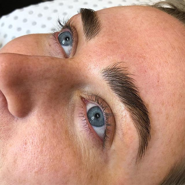 Filling in the best shaped brows slightly with fluffy feather strokes so they still look ultra natural but less gappy!
