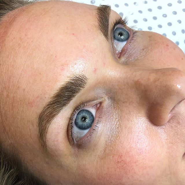 """Check out my story for the before images of these beautiful blonde brows, she had a great framework to start with but her hairs were """"gappy"""" so we fluffed them up with fine micro strokes in behind the natural hair to naturally fill the sparse areas. With this technique I leave more space between each stroke."""