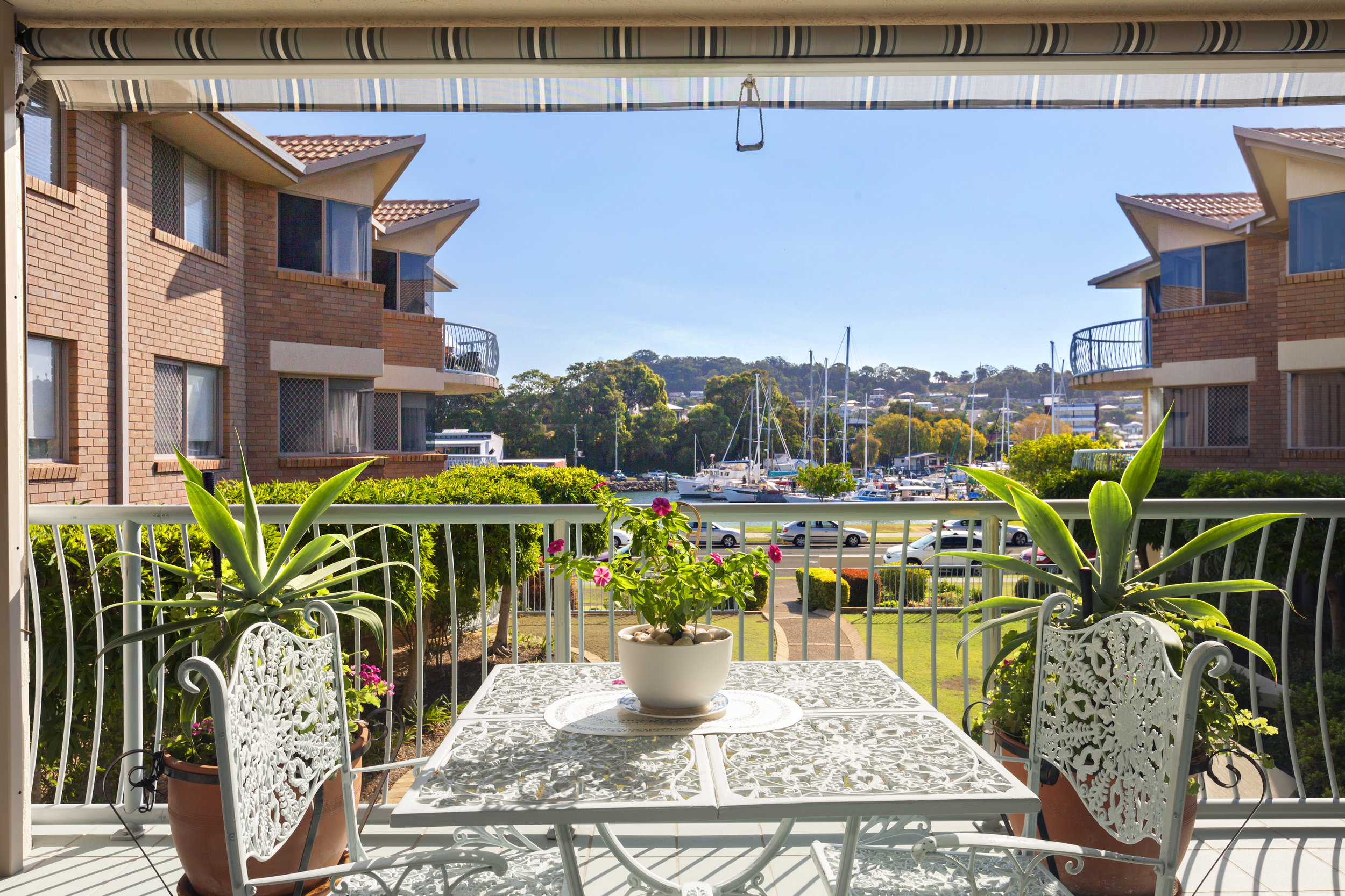 1-Balcony.jpg