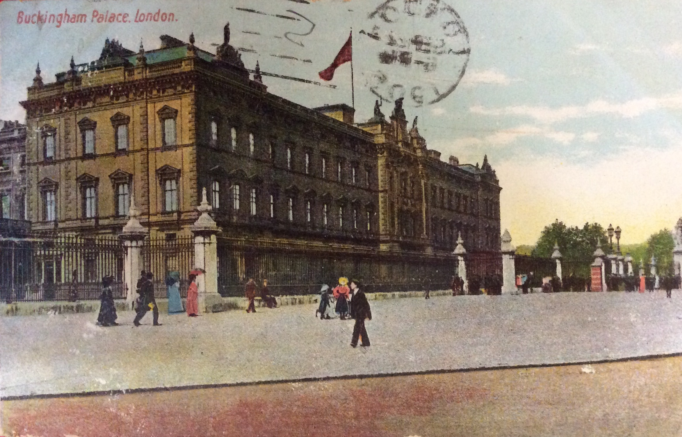 1905 A Tourist Postcard From London