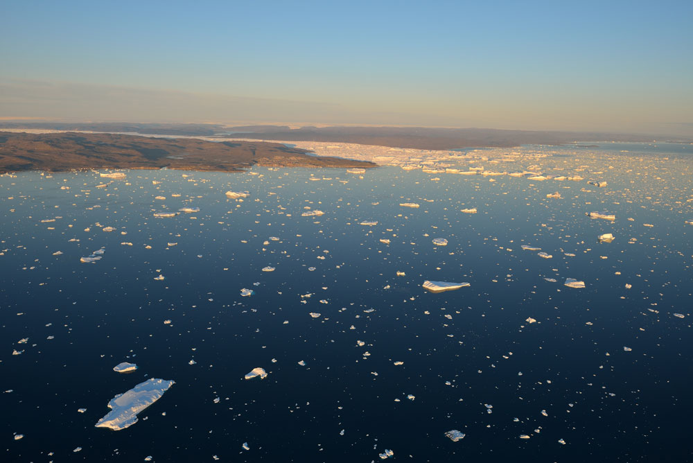 10-nm-out-towards-Ilulissat-at-midnight-July-2013.jpg