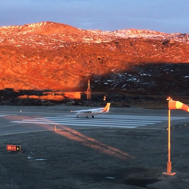 How about a flight in the beautiful sunset over the ice cap? We offer many kinds of flights and our prices start from 1250, - DKK per passenger.  #greenland #icecap #ilulissat #nature #planetrip #glacier #icefjord #nothernlights #travel #amazing #airzafarigreenland #ilulissat #kangerlussuaq #arcticocean #arctic #fjords #whalewatching #whale #explore #ice #instacool #traveltheworld #comeflywithus #unesco