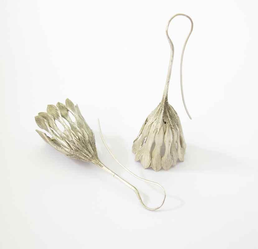 Daisy chandelier earrings NBE015.jpg