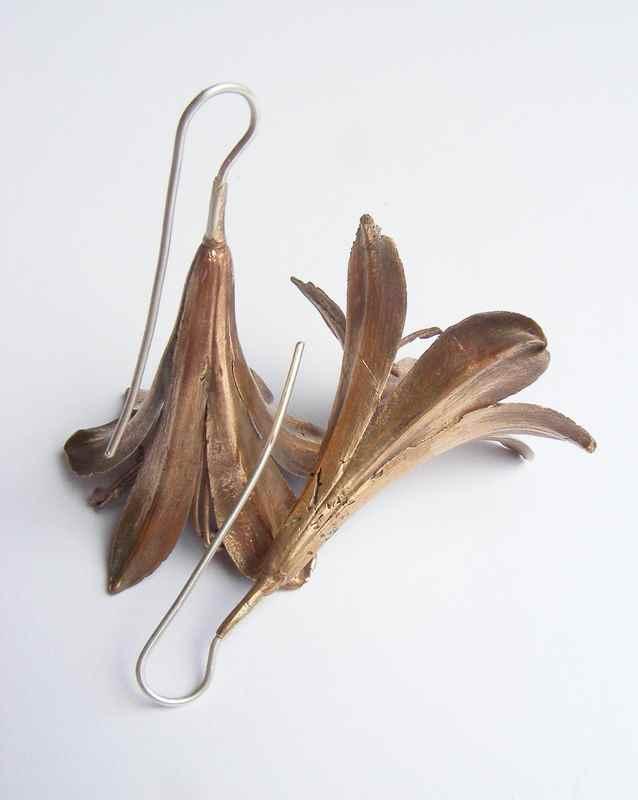 Agapanthus earrings bronze NBE004 & NBE003.jpg