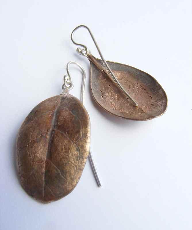 Caprosma leaf earrings bronze NBE066.jpg