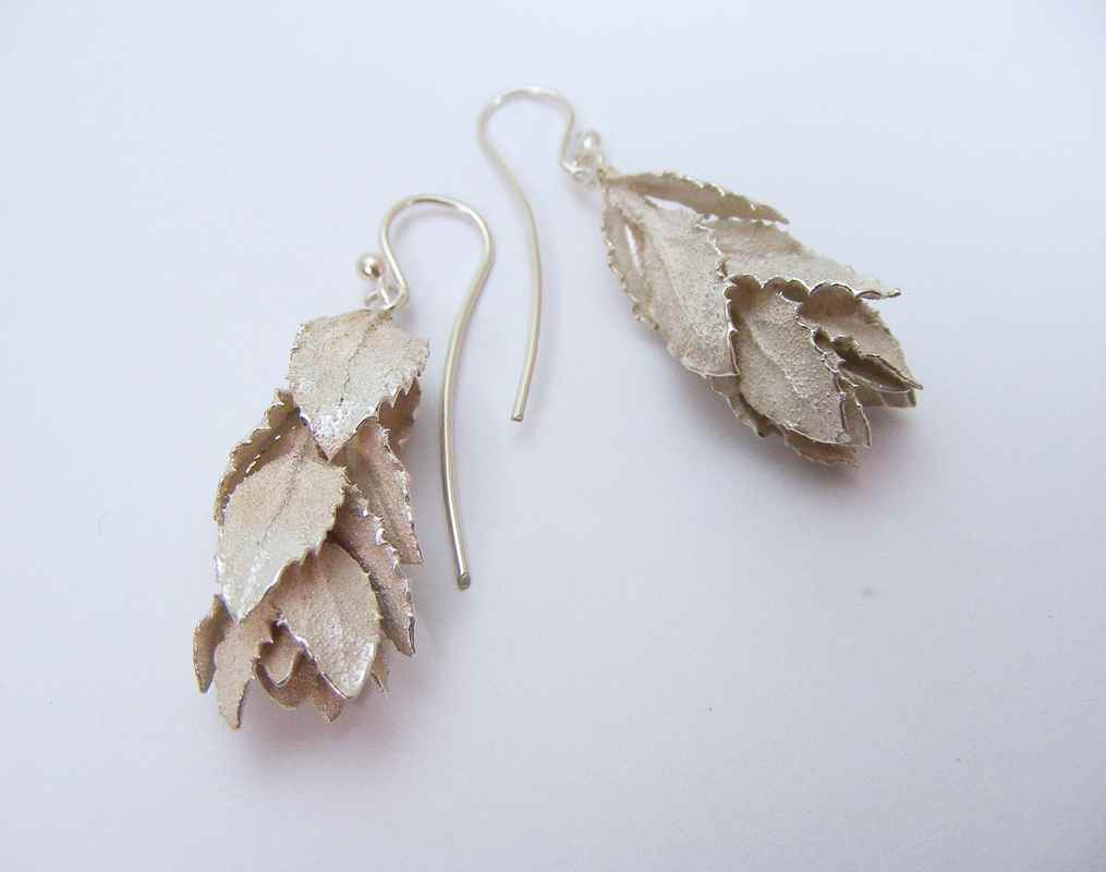 Daisy leaf cluster earrings (ii) NBE018.jpg