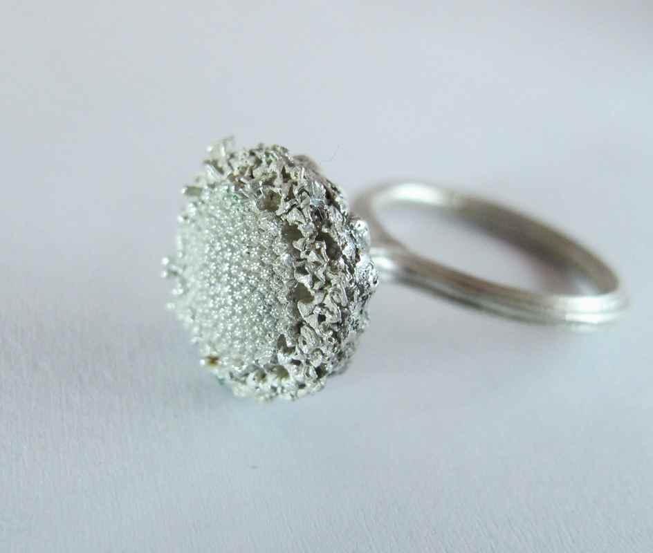 daisy crown ring NBR004.jpg
