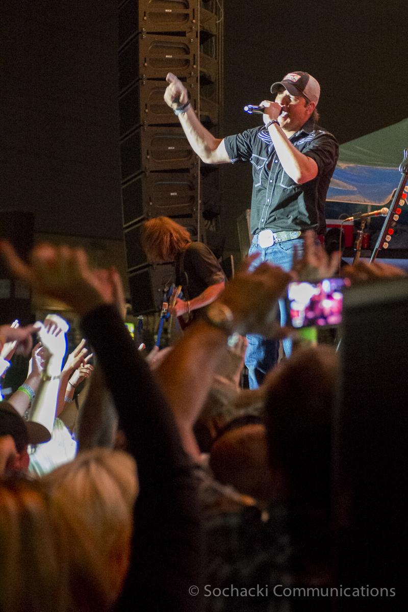 Weishfest 2014-Bands-Rodney-Crowd.jpg