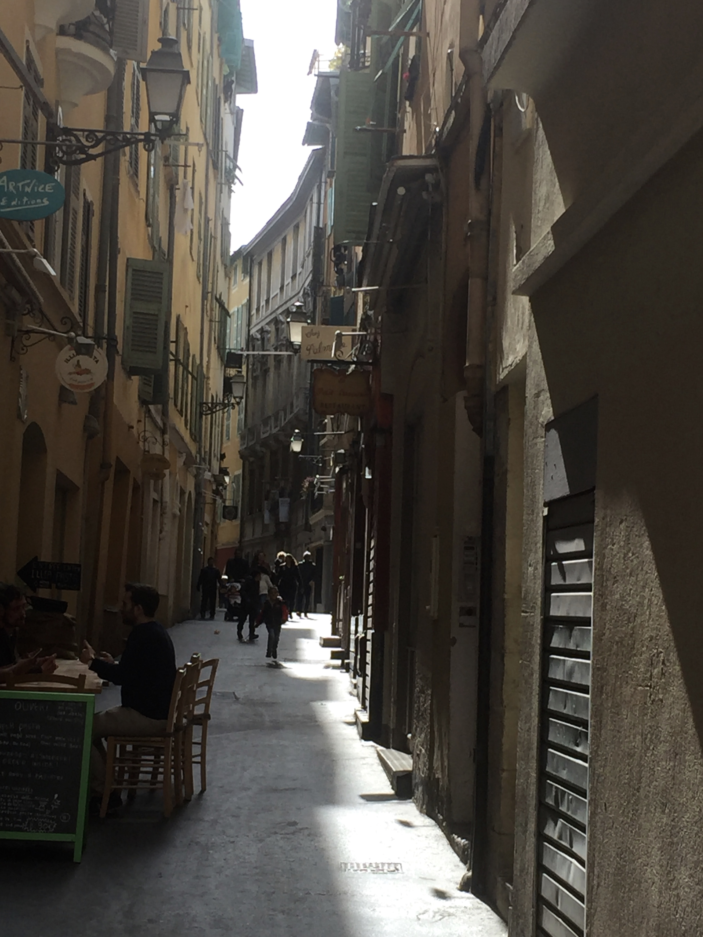 Rue Droite - our Airbnb street in Nice