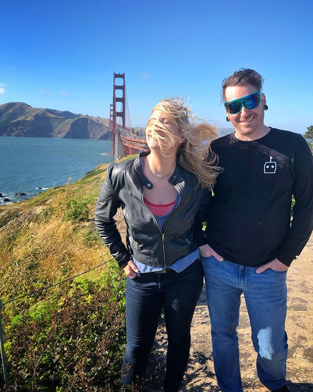 💨 The wind is my best stylist. What is your favorite spot in #sanfrancisco ? 🍜 🌉 🌅 🥟  #goldengatebridge #goldengatepark #loveyourpark #sfo #windswept taken in May.