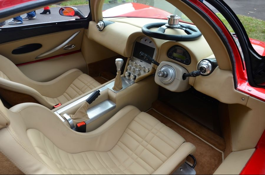 Superlite_SLC_Red_Australia_CarShow_Interior_zpscf076e0a.jpg