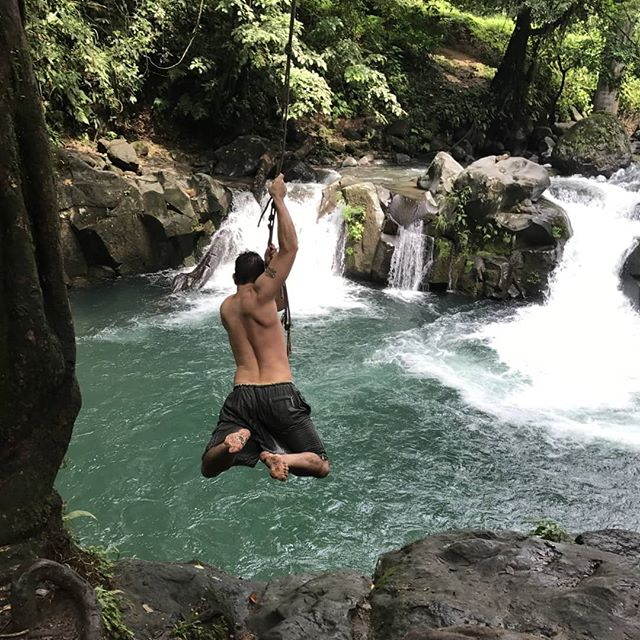 Heading into the weekend like... Photo cred @tensecondstoolate  #tbt Costa Rica