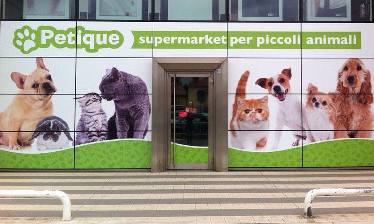 vetrofanie negozio per animali