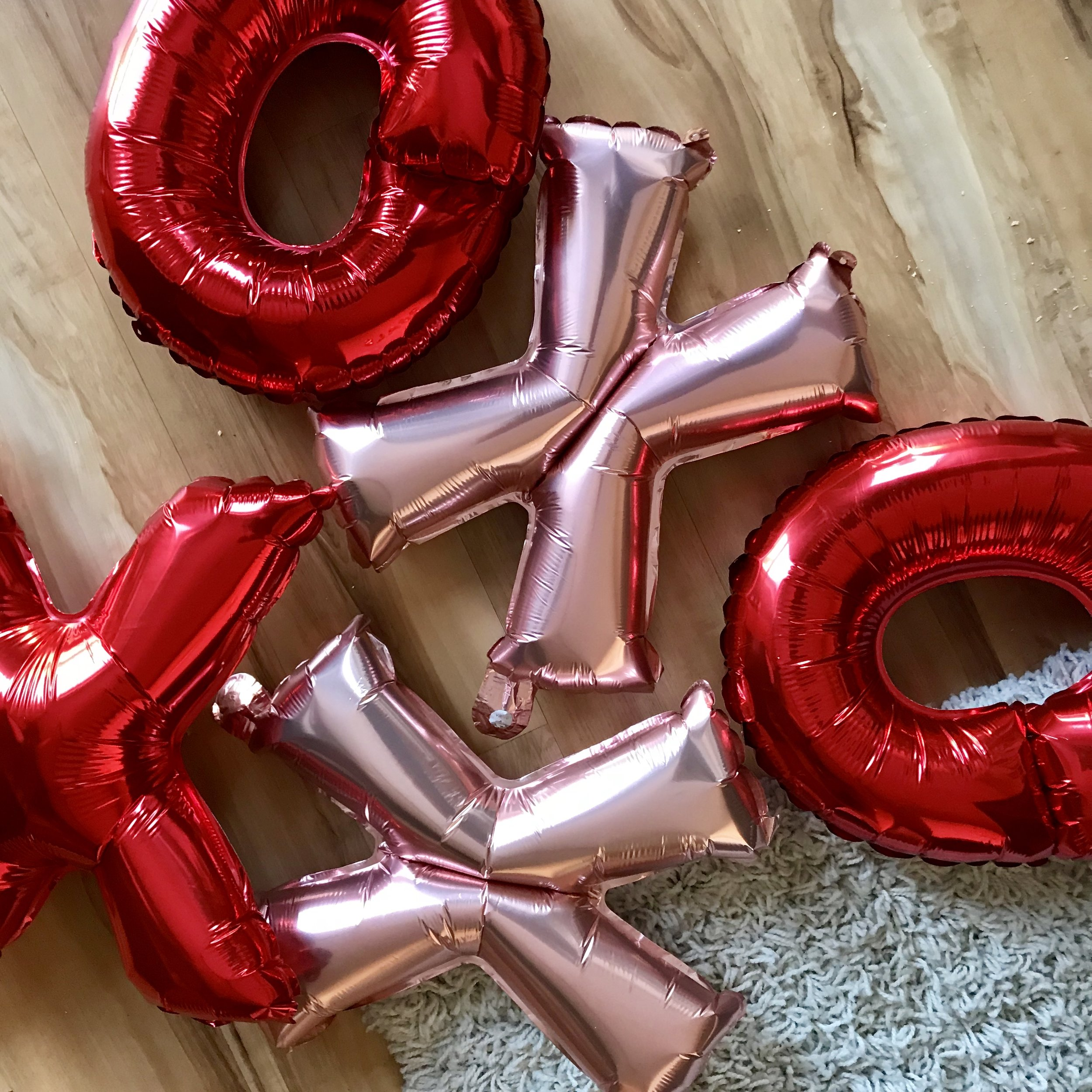 Galentines-Party-Decorations-2.JPEG