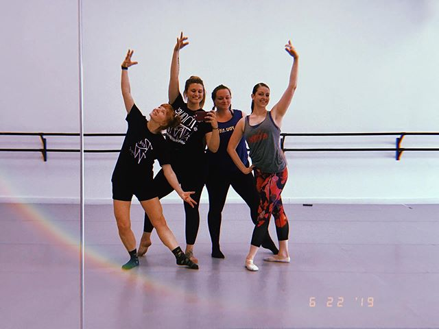This morning, we yogis tried something a little different. Thanks for a GRAND class, @gunsnrosa6 @balletcolaboratory! I can't wait to come back 🎶💕