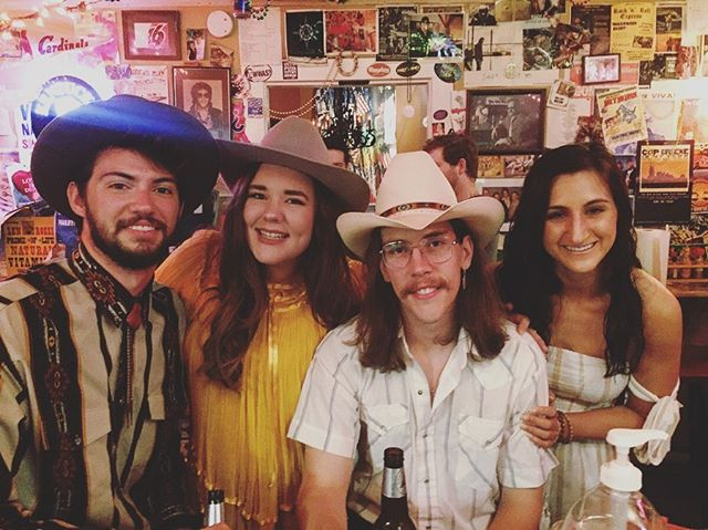 Had a great night with these friends of mine! Thanks @treatcharlie for having us!! 💃🏻🌵