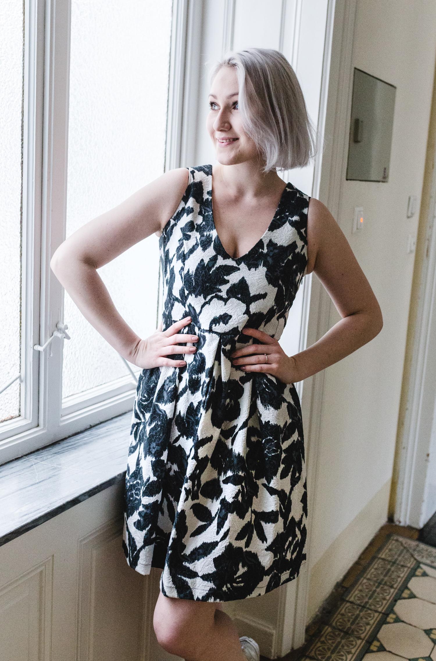Kleid von La Fee Maraboutee    IN DER BOUTIQUE 8. AUF ANFRAGE ERHÄLTLICH