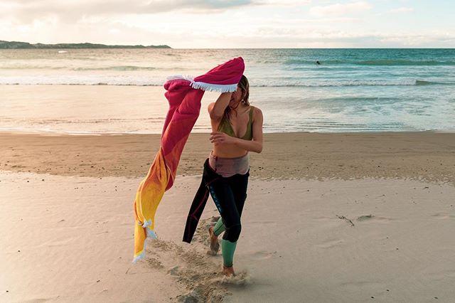 "🌊 ""Chuck me the towel!"" ❄️FREEZING midwinter swims at Tawharanui Regional Park 🏊🏻♀️"