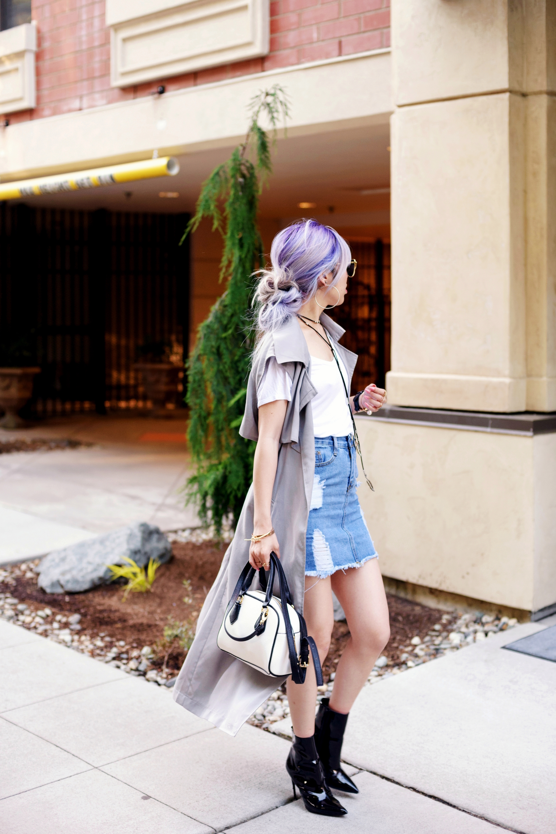 Dezzal Grey Trench Coat_TOPSHOP White T-shirt_She Inside Highwaisted Denim Mini Skit_ALDO Patent Boots_ZARA Mini Bag_Suede Choker_Daniel Wellington Watch_Aikas Love Cloeset_Seattle Fashion Blogger from Japan_Lavender Hair_Messy low bun Hair 8