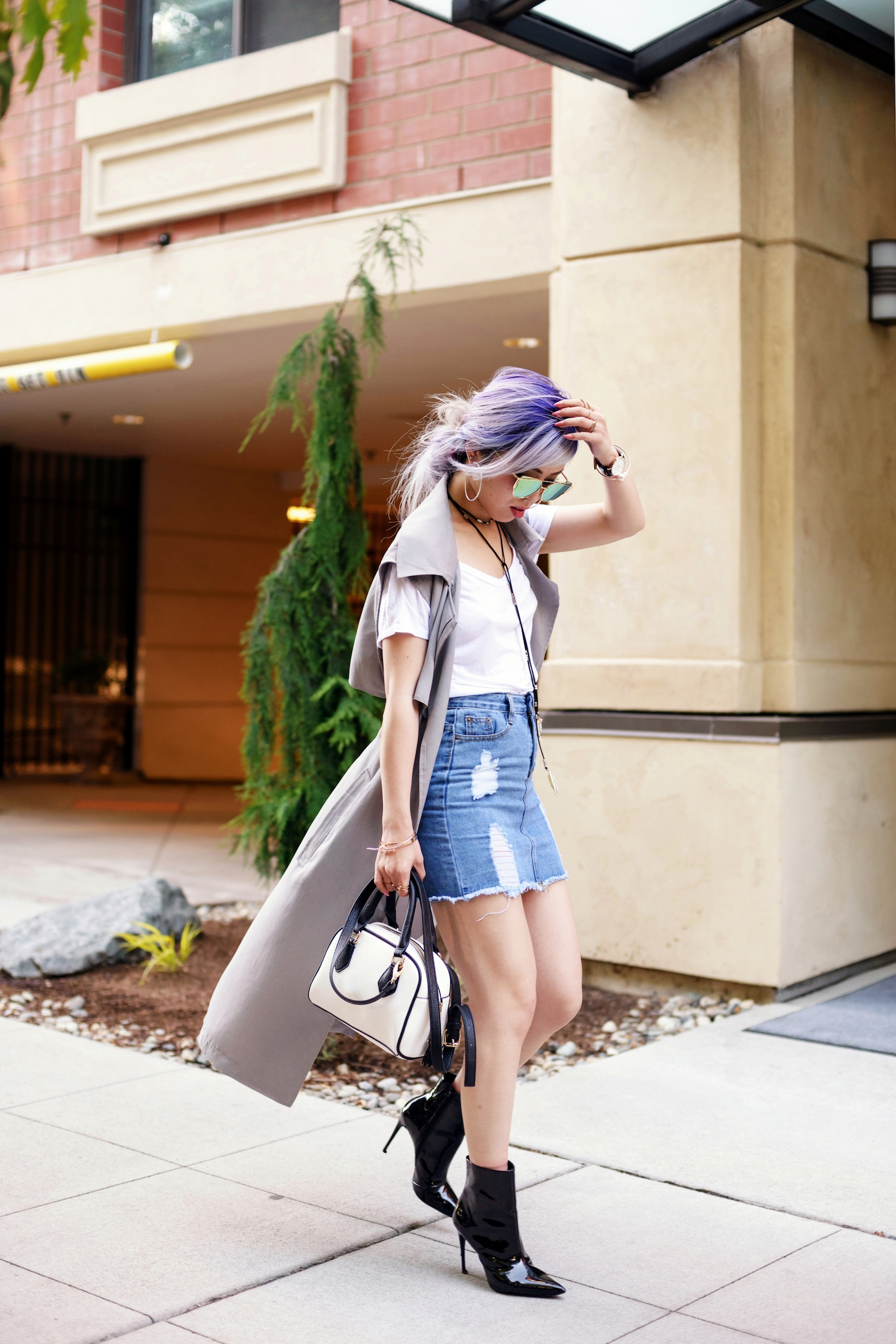 Dezzal Grey Trench Coat_TOPSHOP White T-shirt_She Inside Highwaisted Denim Mini Skit_ALDO Patent Boots_ZARA Mini Bag_Suede Choker_Daniel Wellington Watch_Aikas Love Cloeset_Seattle Fashion Blogger from Japan_Lavender Hair_Messy low bun Hair 9