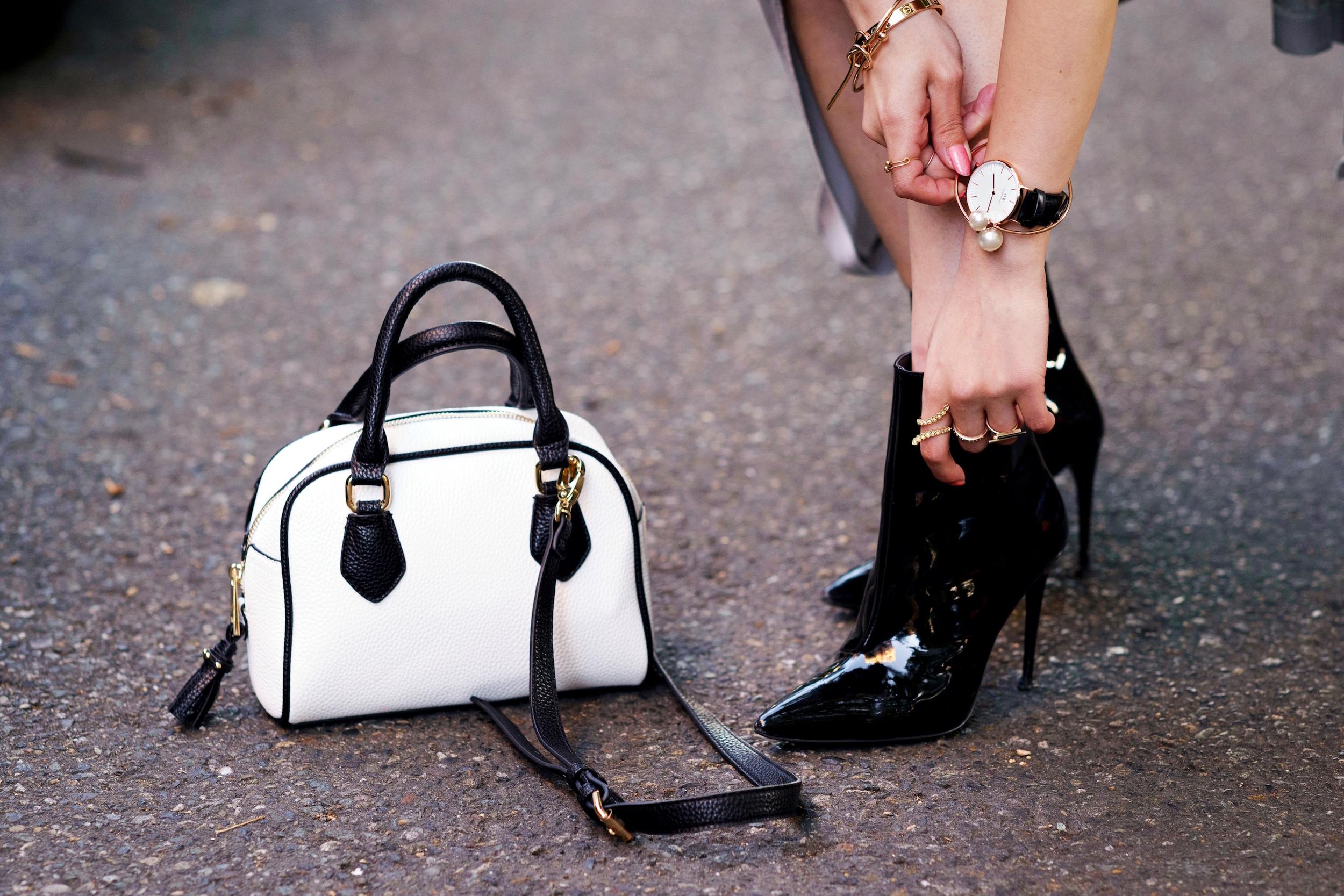 ALDO Patent Boots_ZARA Mini Bag_Suede Choker_Daniel Wellington Watch_Aikas Love Cloeset_Seattle Fashion Blogger from Japan_Lavender Hair_Messy low bun Hair