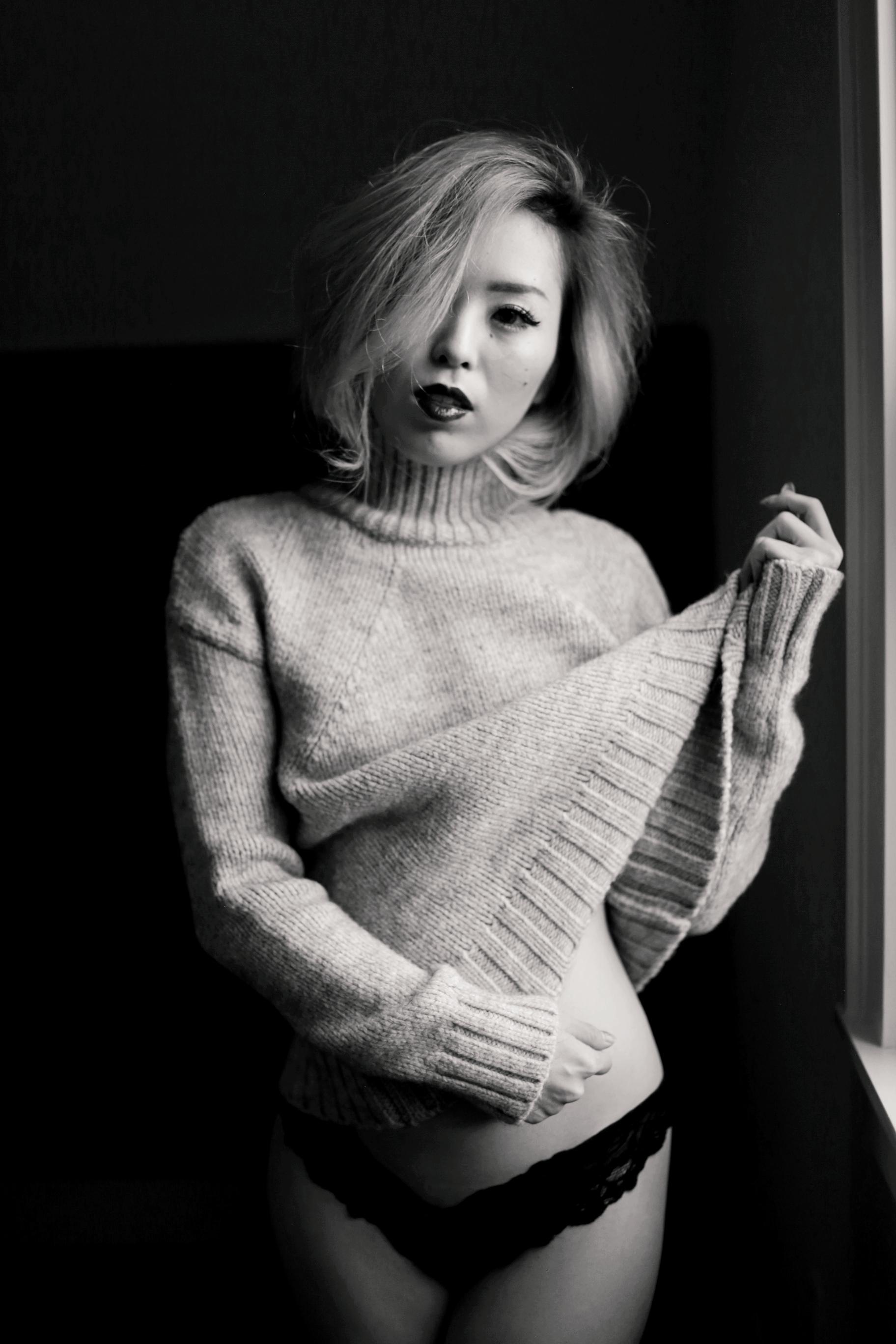 Boudoir Photo-black and white photography-sweater weather-turtle neck sweater-black lingerie-dark lipstick-japanese-Aika's Love Closet-Seattle model-Seattle Style blogger 2