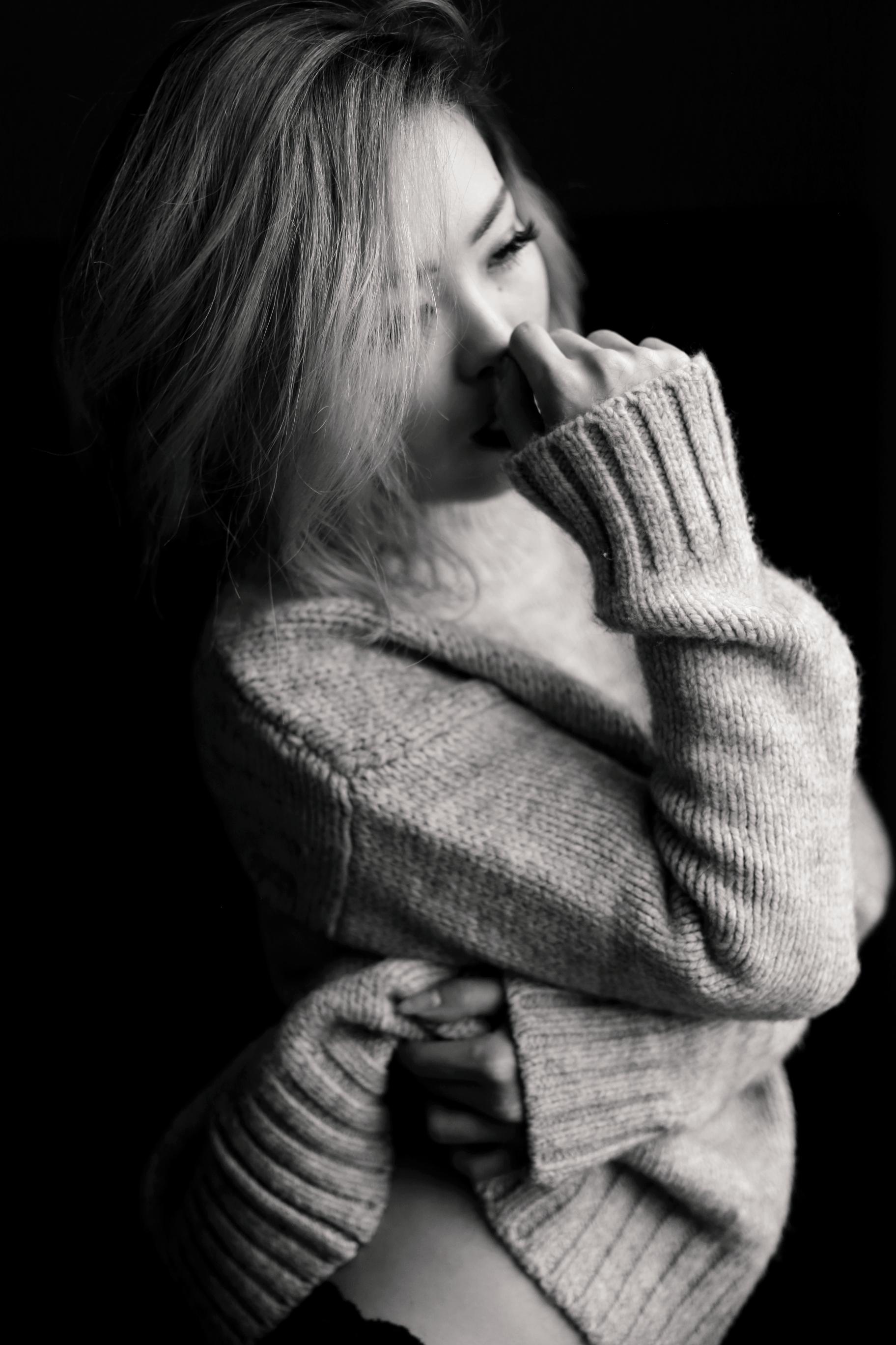 Boudoir Photo-black and white photography-sweater weather-turtle neck sweater-black lingerie-dark lipstick-japanese-Aika's Love Closet-Seattle model-Seattle Style blogger 4