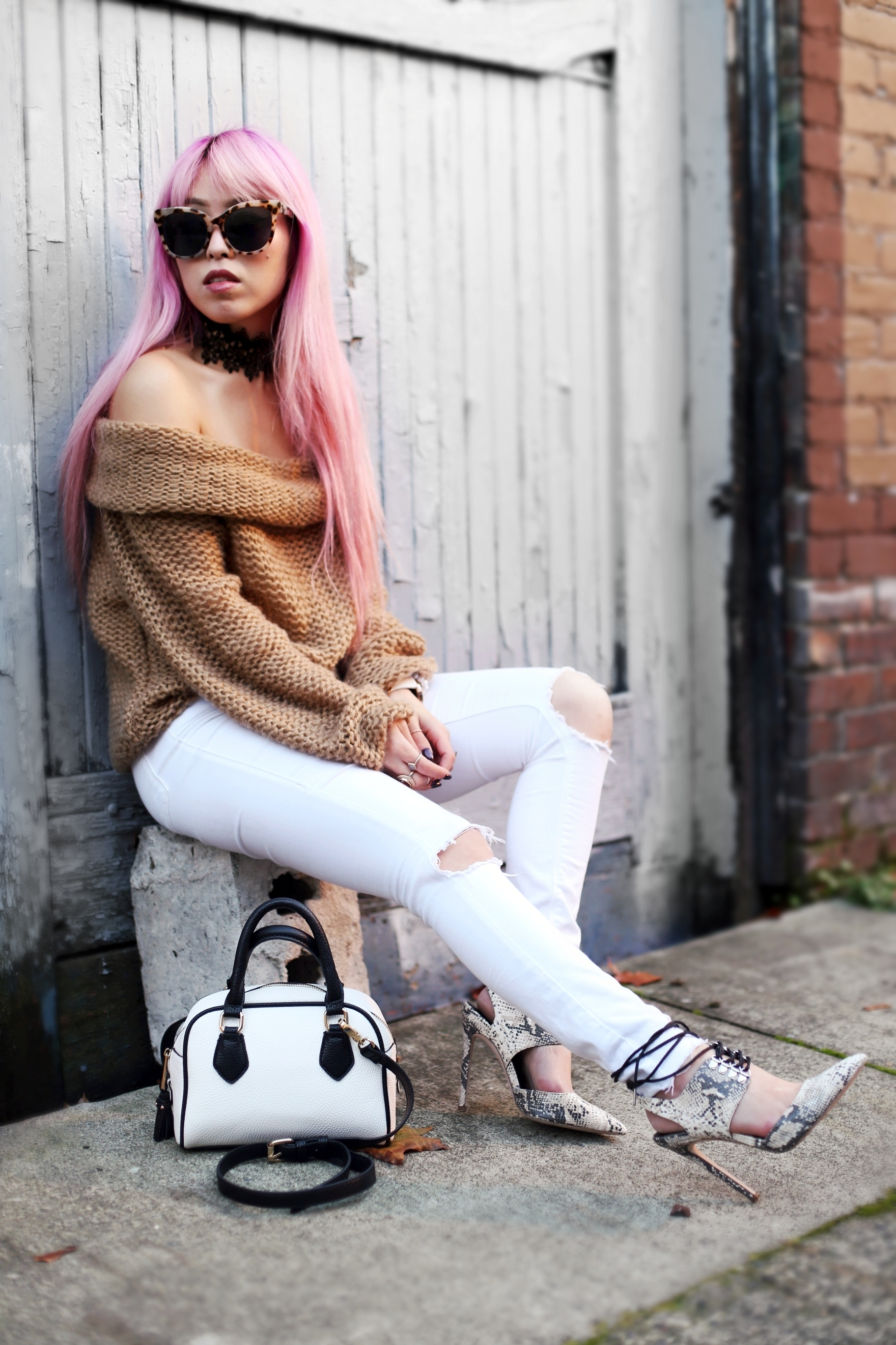 Urban Outfitters Sunglasses_Camel Off The Shoulder Sweater_TOPSHOP white jeans_ZARA Bag_ASOS Snake Skin Heels_Shop Dixi Lace Choker_Aika's Love Closet_Seattle Fashion Blogger_Japanese_Pink Hair_Colored Hair 6