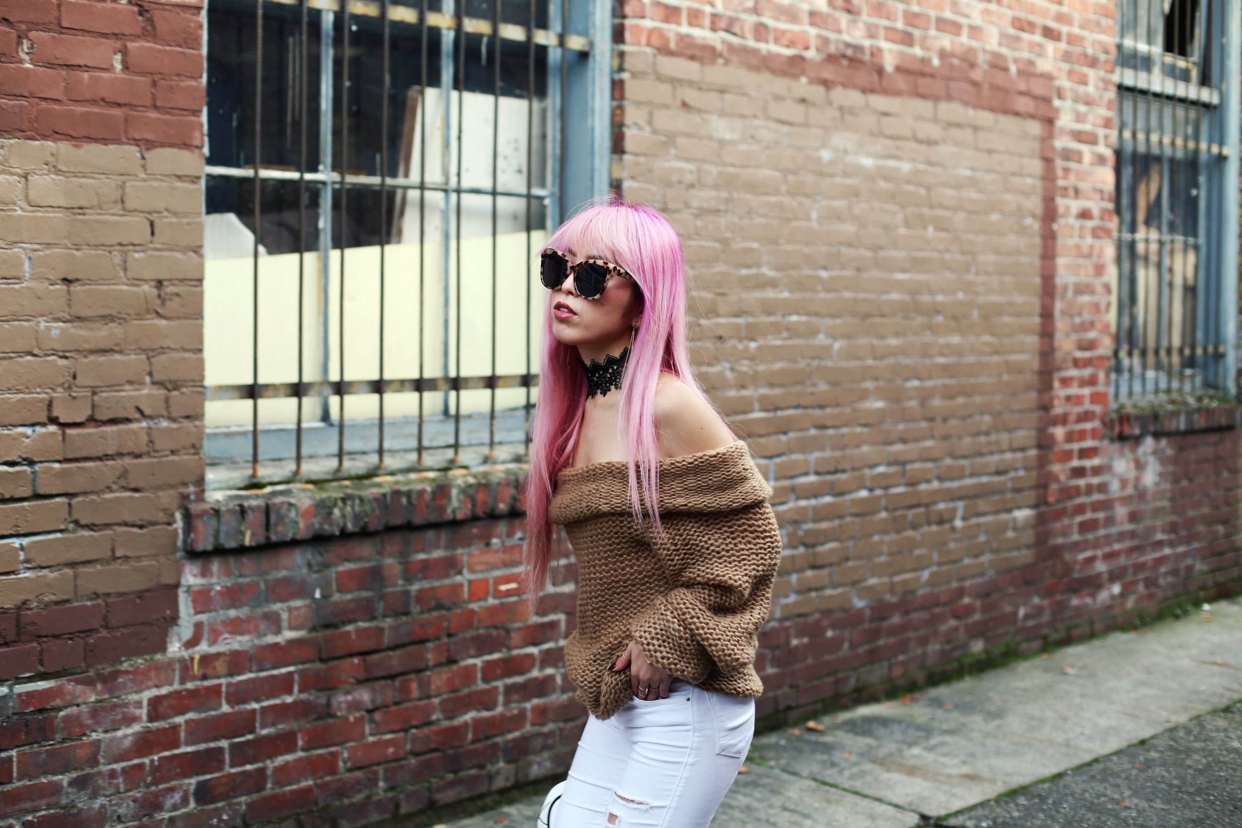 Urban Outfitters Sunglasses_Camel Off The Shoulder Sweater_TOPSHOP white jeans_ZARA Bag_ASOS Snake Skin Heels_Shop Dixi Lace Choker_Aika's Love Closet_Seattle Fashion Blogger_Japanese_Pink Hair_Colored Hair 9