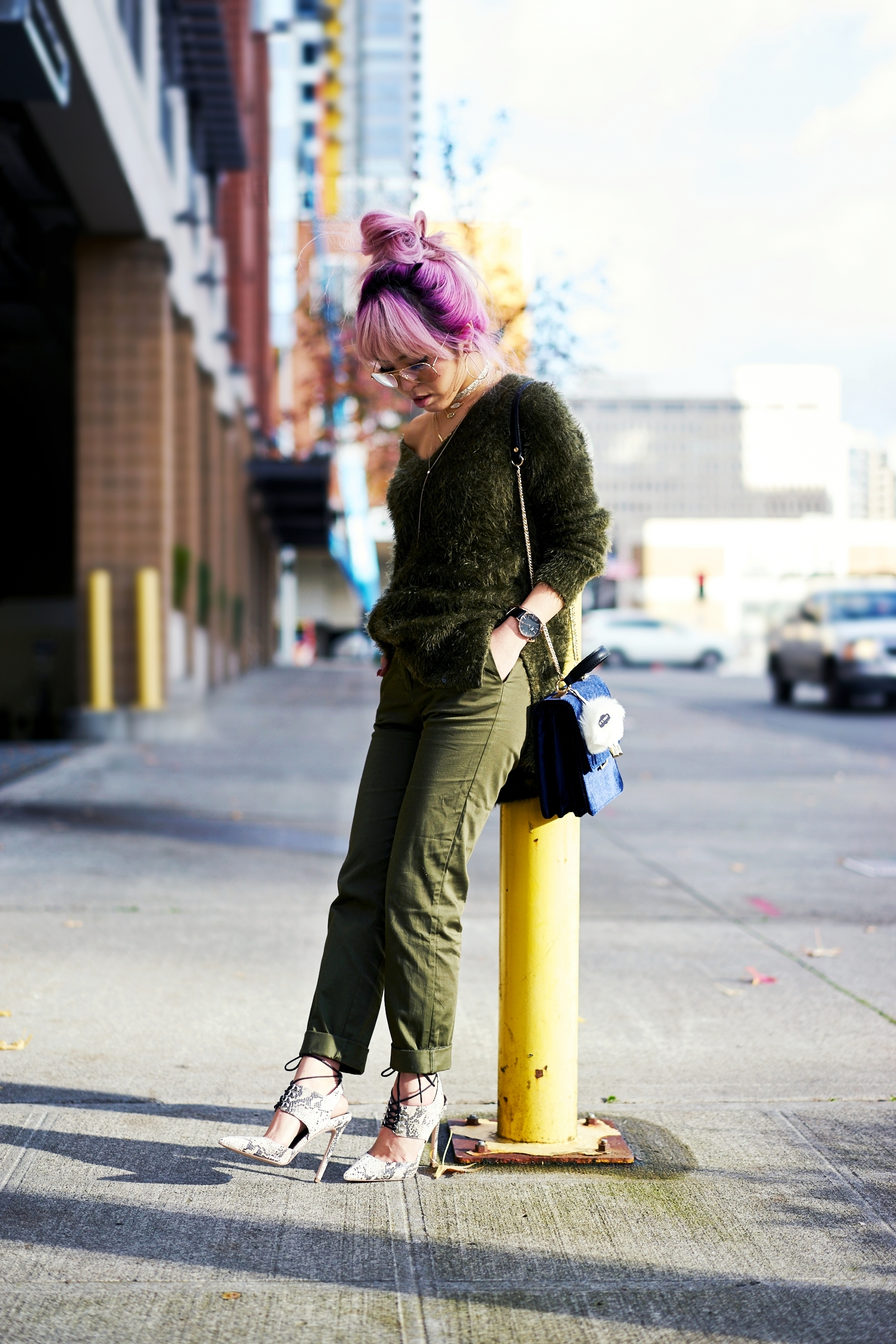 H&M olive chunky sweater-H&M cropped trousers-ASOS python lace-up pumps-ZARA navy velvet bag-mango earrings-Daniel Wellington Watch-Clear Lens aviator-Aika's Love Closet-Seattle Style blogger-japanese-pink hair-colored hair