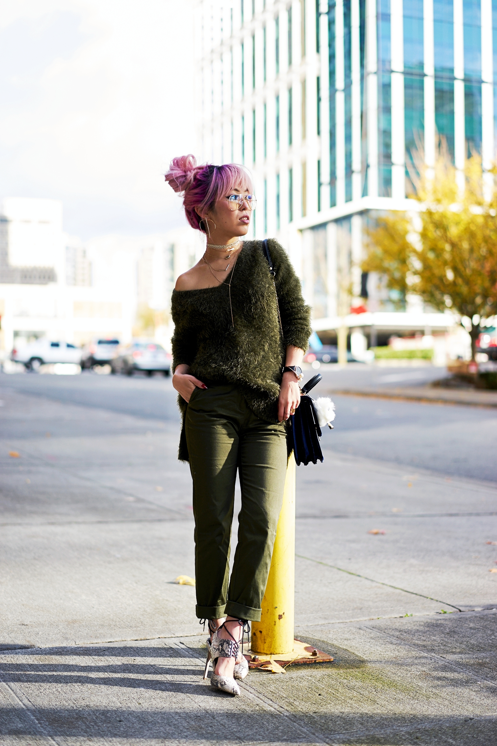 H&M olive chunky sweater-H&M cropped trousers-ASOS python lace-up pumps-ZARA navy velvet bag-mango earrings-Daniel Wellington Watch-Clear Lens aviator-Aika's Love Closet-Seattle Style blogger-japanese-pink hair-colored hair 6
