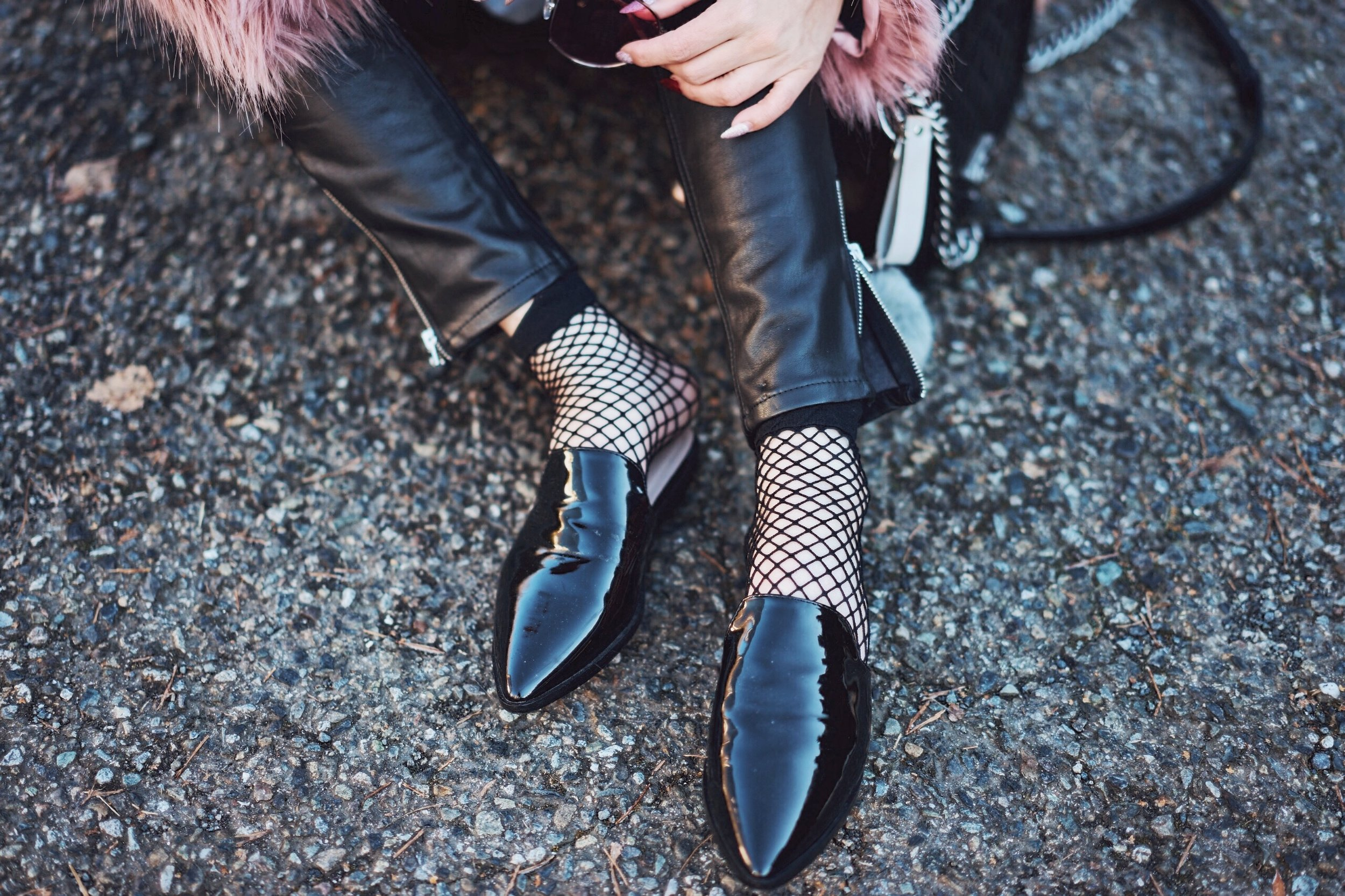 Aika's Love Closet-90's trend-fishnet tights and socks-inspiration-street style-Seattle Fashion Blogger from Japan 10