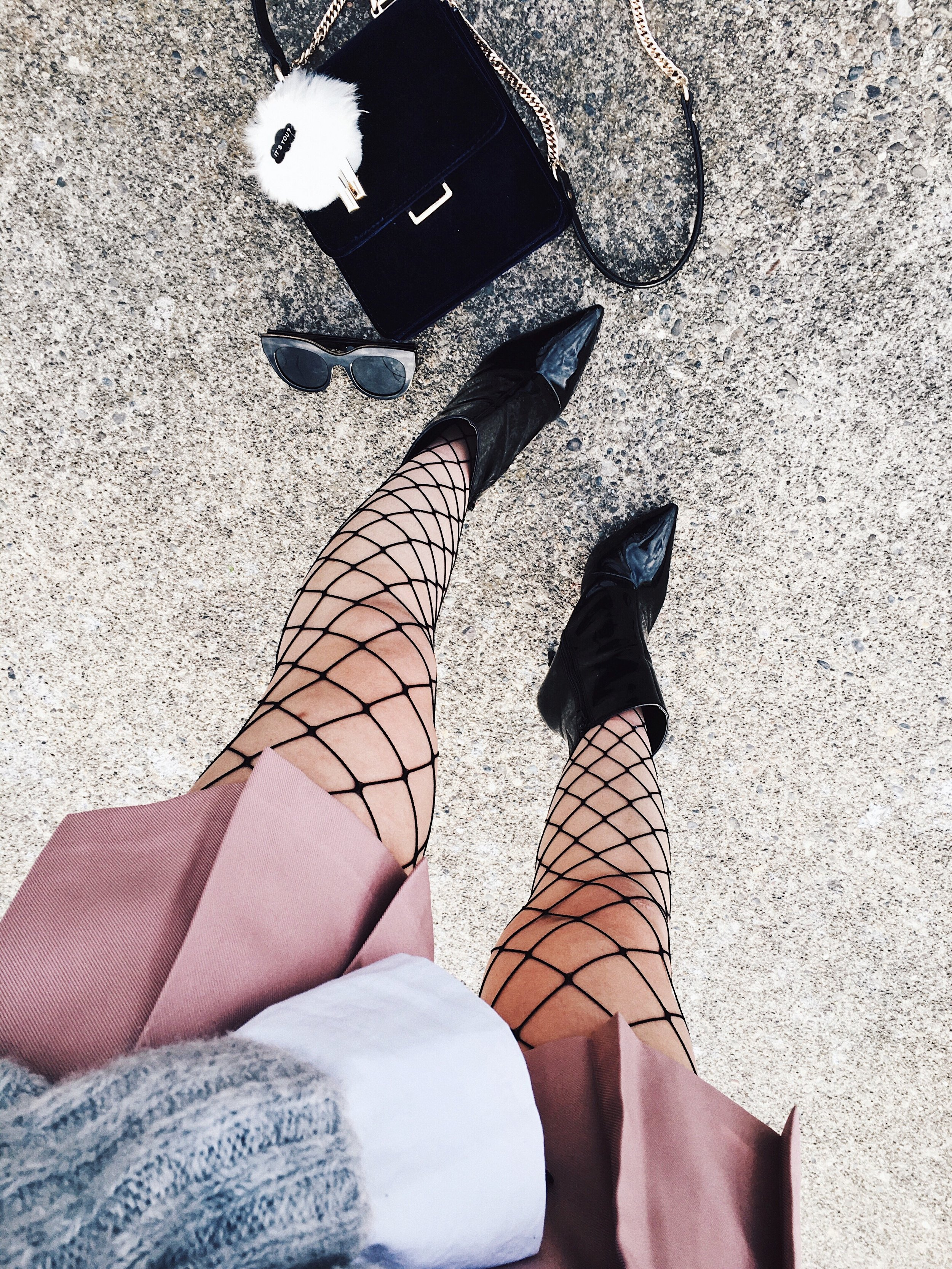 Aika's Love Closet-90's trend-fishnet tights and socks-inspiration-street style-Seattle Fashion Blogger from Japan 18