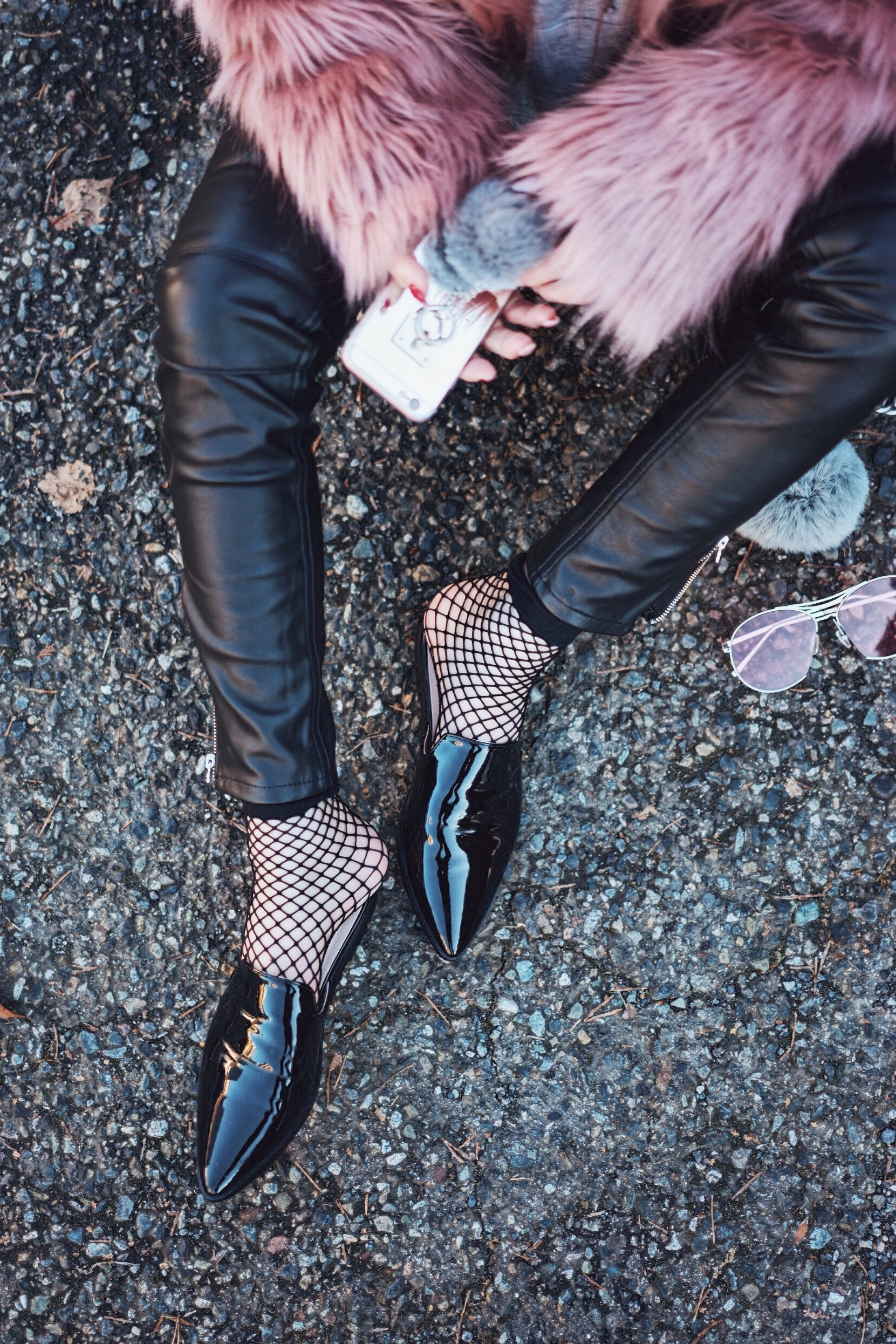 Aika's Love Closet-90's trend-fishnet tights and socks-inspiration-street style-Seattle Fashion Blogger from Japan 13