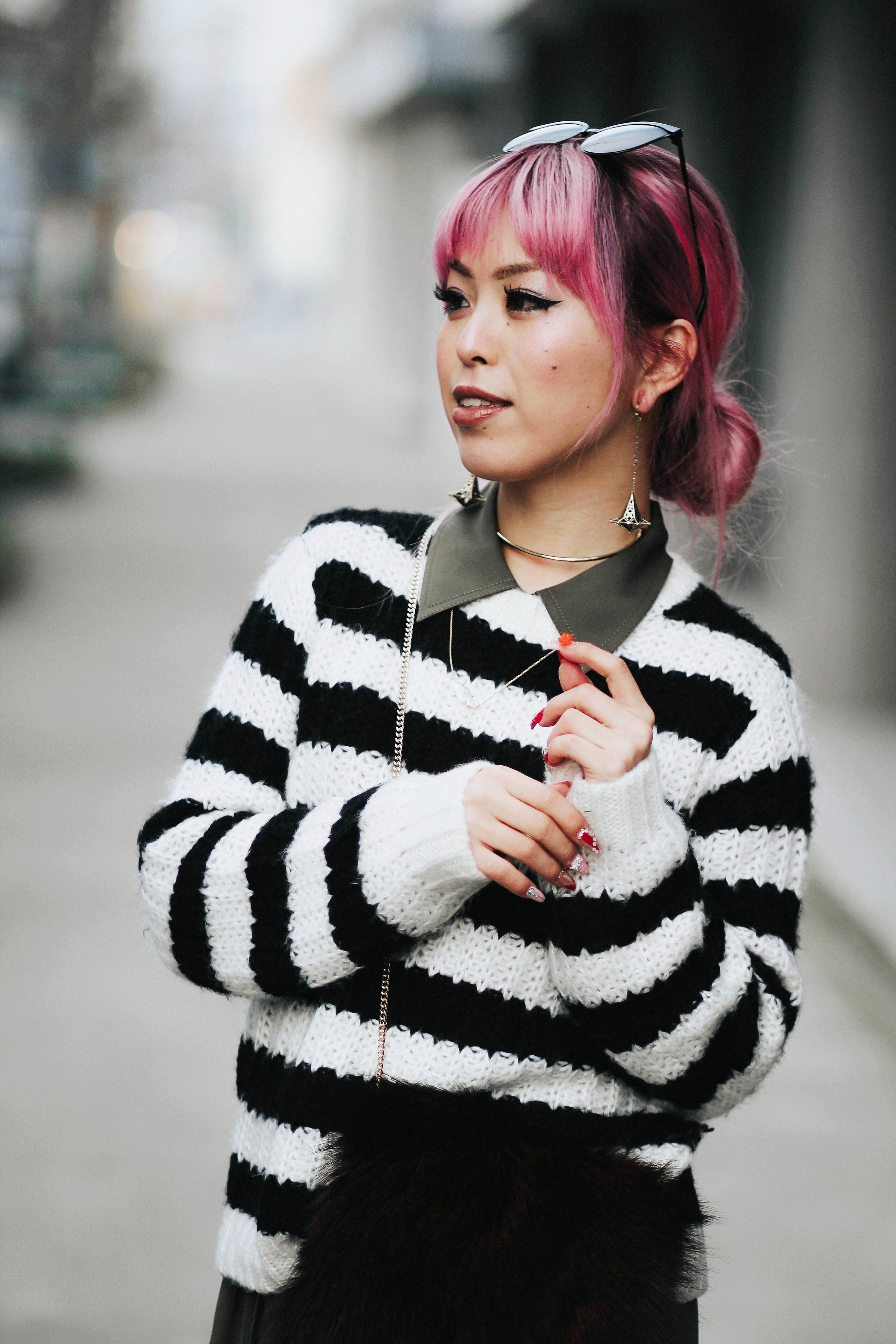 Who What Wear Striped Sweater_DVF Clarise Midi Shirt Dress_DVF Fur Bag_Kendra Scott Diana Shoulder Duster Earrings In Antique Brass_Amazon Fishnet Tights_ZARA ASYMMETRIC LEATHER HIGH HEEL SHOES_Aikas Love Closet_Seattle Fashion Blogger_japanese_Pink Hair 12