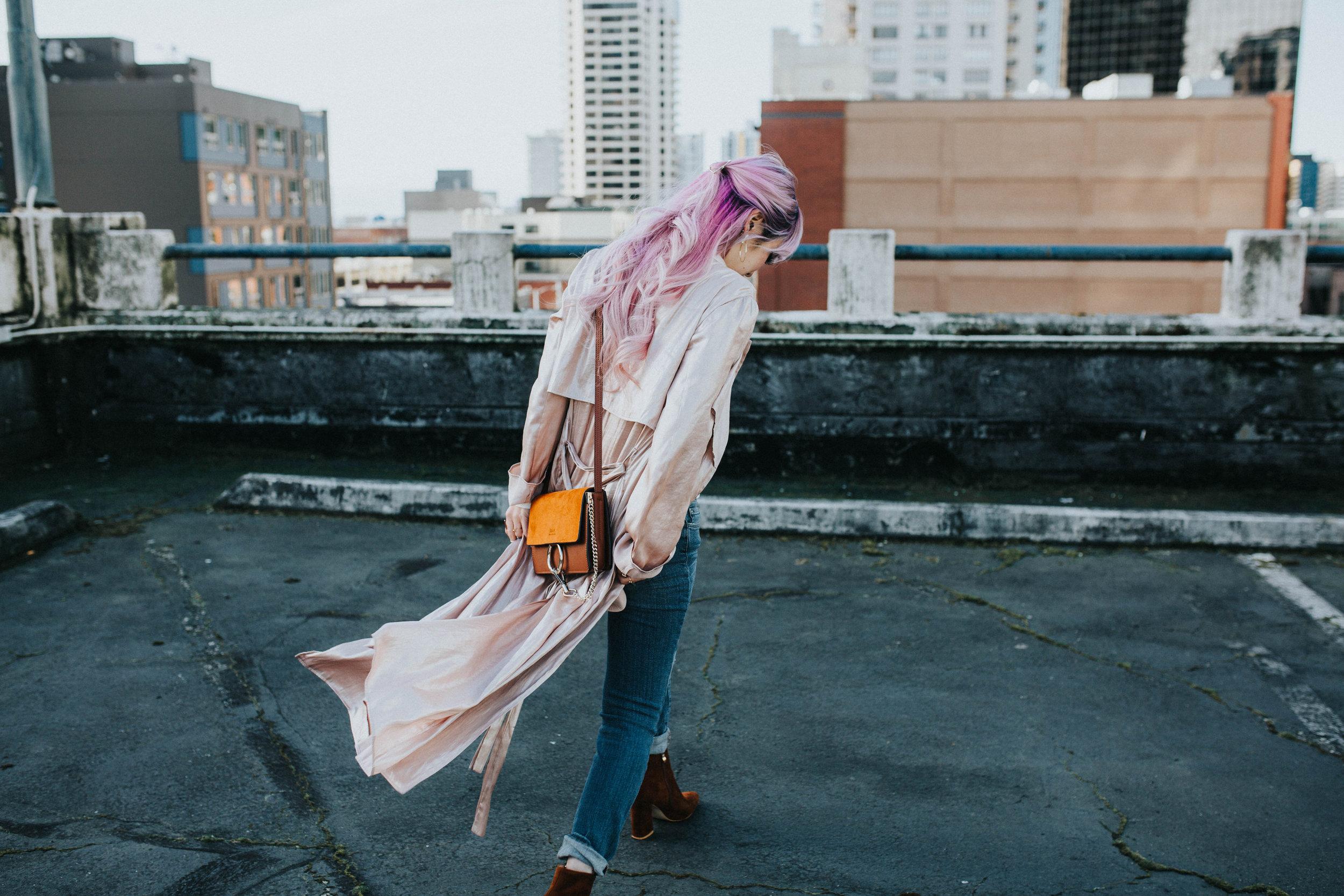 Mango Pink Metallic Trench Coat_ZARA White mock neck top_ZARA lace bralette_J Brand skinny jeans_Chloe Mini Faye Leather Shoulder Bag_Ego Ankle Boots_Free People Aviator Sunglasses_Argento Vivo Earrings_Aikas Love Closet_Seattle Style Fashion Blogger_Japanese_Pink hair
