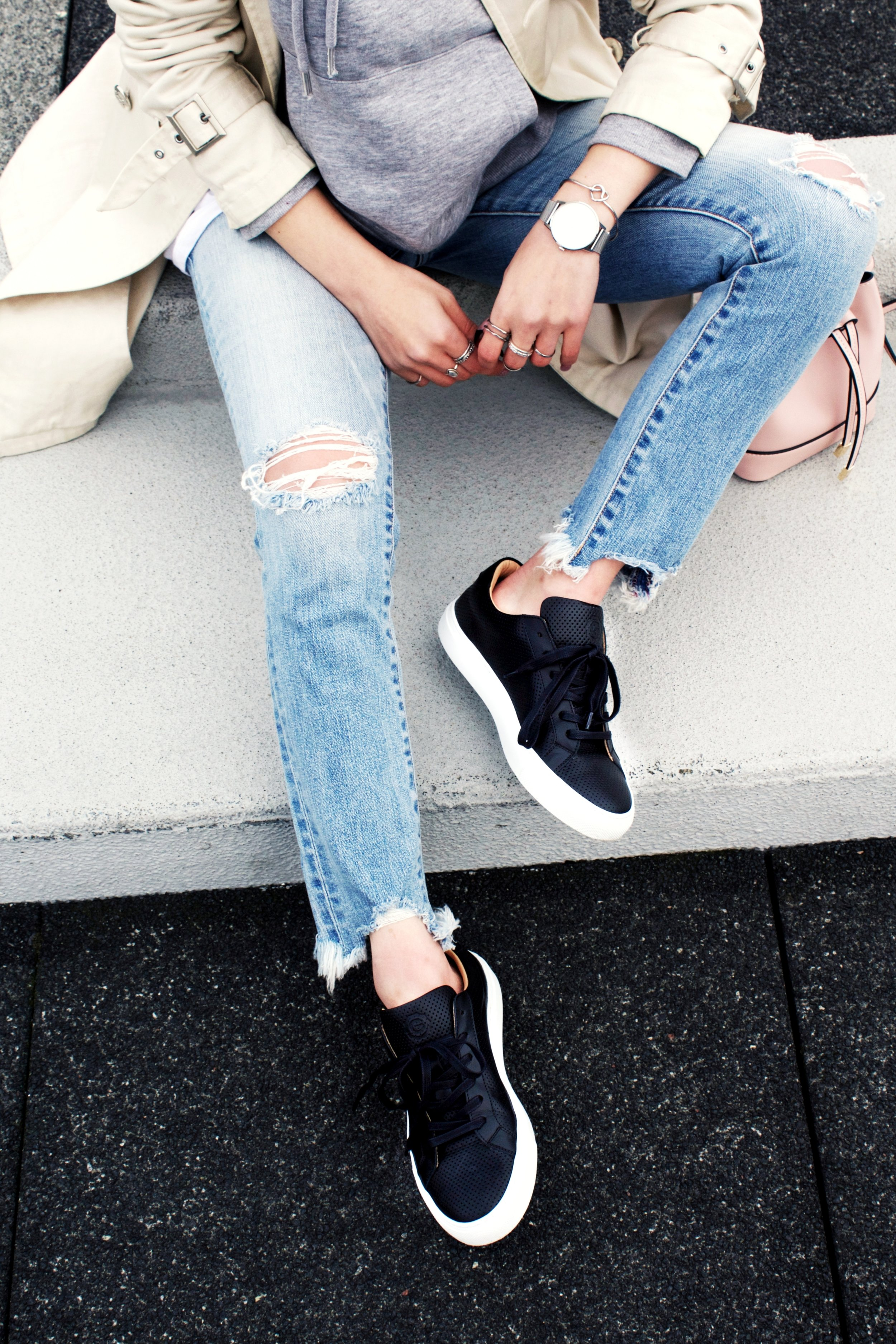 Greats THE ROYALE_Black Leather Sneakers_Aikas love Closet_Seattle Fashion Style Blogger_Japanese 2