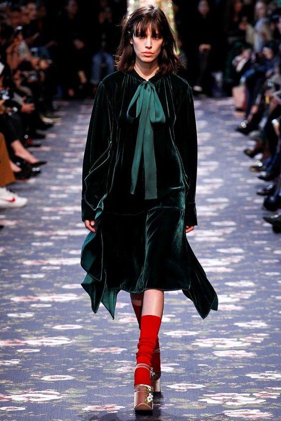Top Velvet Fashion Trends for winter- aika's Love closet-japanese-seattle style fashion blogger-colored hair- dark green velvet runway.jpg
