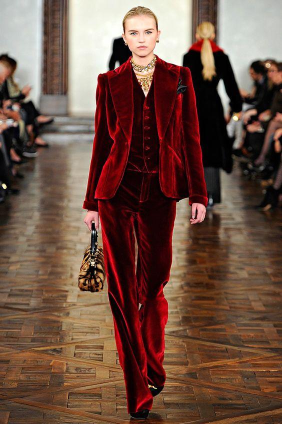 Top Velvet Fashion Trends for winter- aika's Love closet-japanese-seattle style fashion blogger-colored hair- red velvet runway.jpg