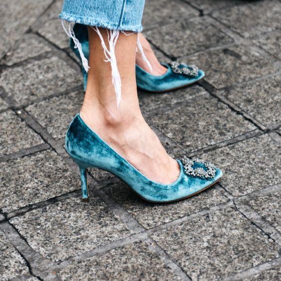Top Velvet Fashion Trends for winter- aika's Love closet-japanese-seattle style fashion blogger-colored hair- velvet heels.jpg