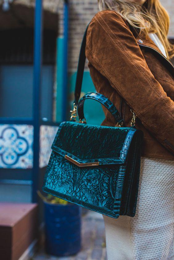 Top Velvet Fashion Trends for winter- aika's Love closet-japanese-seattle style fashion blogger-colored hair-velvet bag.jpg